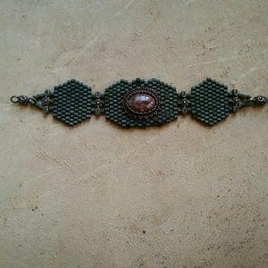 Jewelry - Hand-beaded bracelet